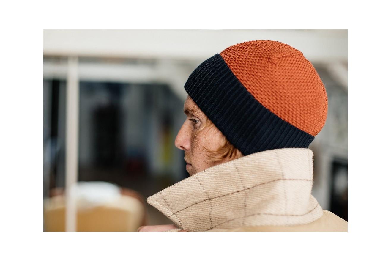 Focus sur nos bonnets made in France : le point tapissier donne un relief inédit